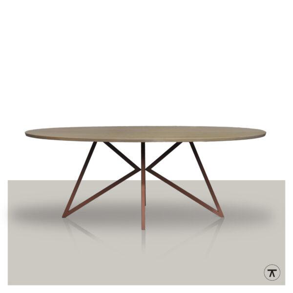 Ovale-eettafel-eikenhout-blad-met-roest-metalen-vlinder-onderstel