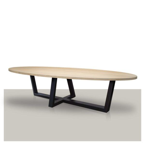 Ovale eettafel schuin kruis metalen onderstel blank eikenhout blad rechte rand