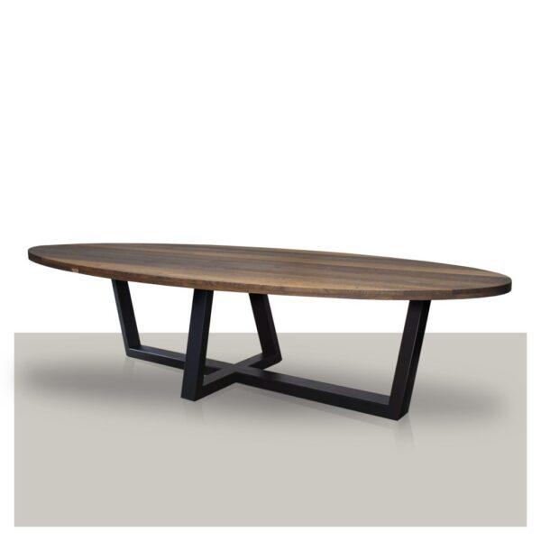 Ovale massief houten eettafel smoke met schuin kruis metalen onderstel Van Tafel