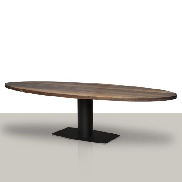 Ovale eettafel met een metalen kolom onderstel met een smoke eikenhout tafelblad.