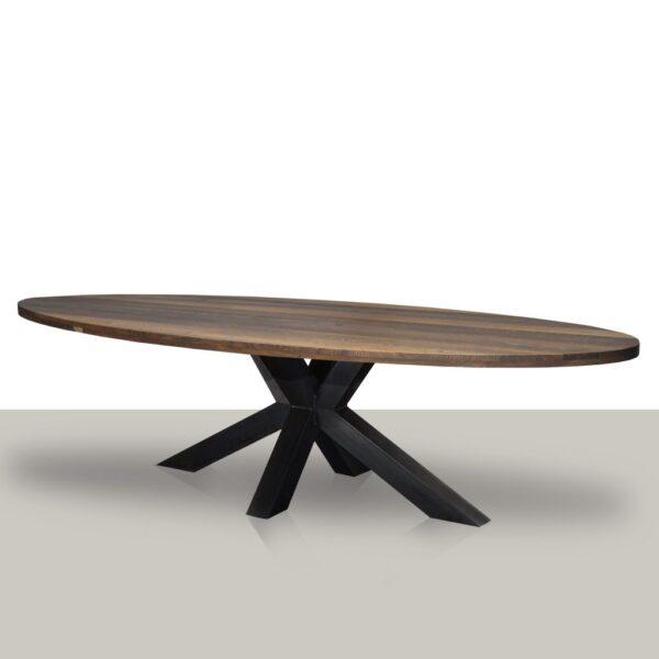 Ovale eettafel met een metalen matrix onderstel (koker 10cmx10cm) en smoke eikenhout tafelblad.