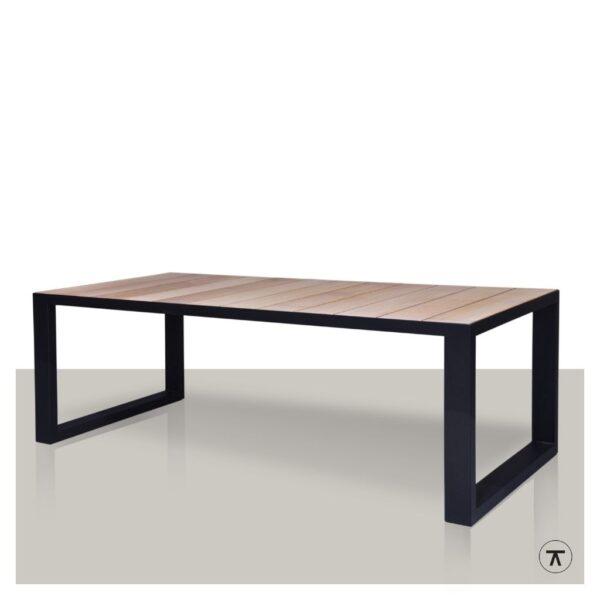 iroko houten buitentafel met metalen U onderstel