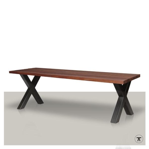 padoek houten buitentafel met een metalen kruispoot